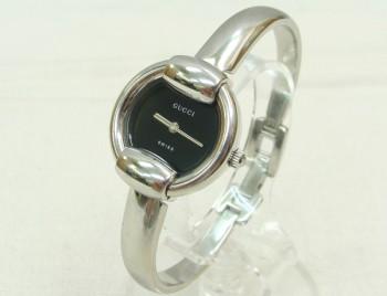 グッチ GUCCI バングル型 レディース腕時計 1400L