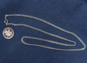 貴金属 プラチナ ネックレス メイプルリーフ