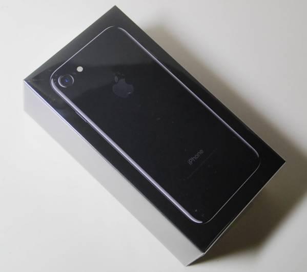 iPhone 7 アイフォン7 ジェットブラック 128GB スマートフォン