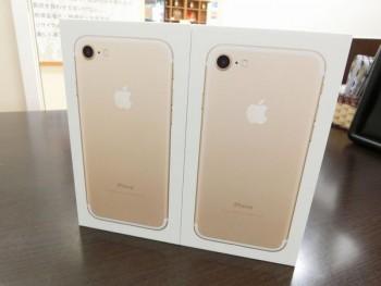 au iPhone7 32GB ゴールド 2台