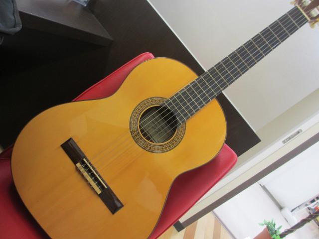 アントニオ サンチェス アコースティックギター