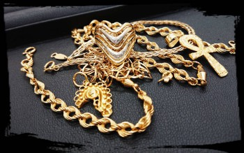 K18リングやネックレスなどをお買い取りさせて頂きました(*^^*)
